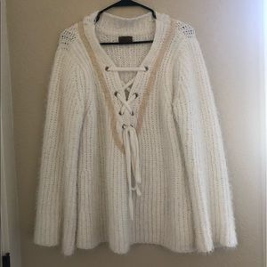 Chunky oversized knit white POL sweater with tie